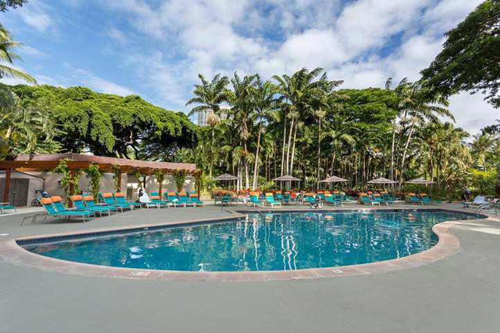 Swimming Pools :: halekoa
